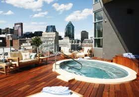 Room with a View, Montreal: Hotel Le Crystal