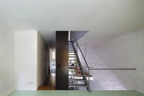 vertical-loft-wall.jpeg.492x0_q85_crop-smart