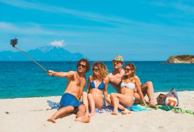FYI: Your friends hate your vacation pics (especially this one)