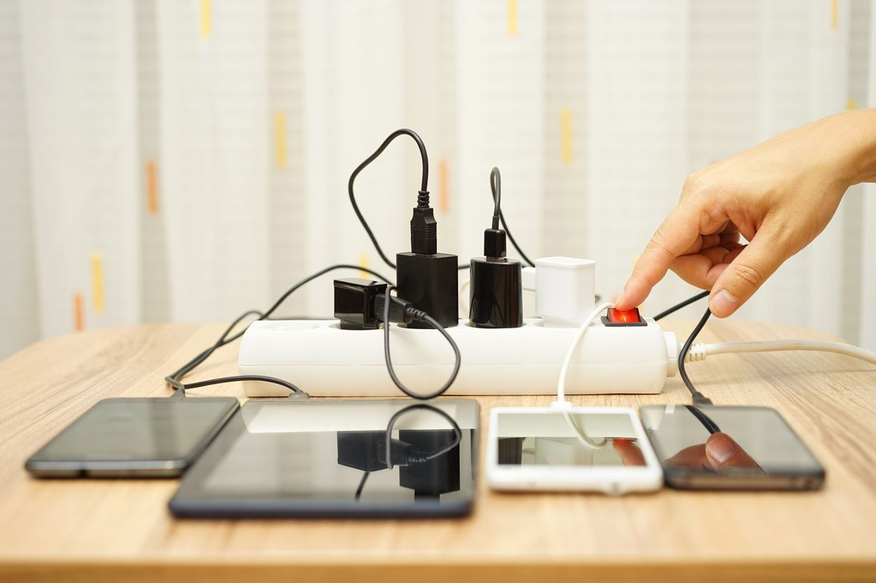 Experts say you're charging your phone wrong, and it's killing your battery