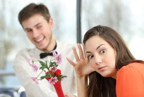 5 Subtle Things You Do That Chase Her Away