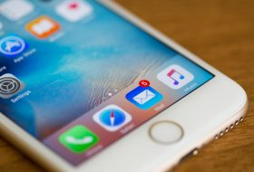 Many Smartphone Notifications, Particularly Ones from Work, Negatively Affect Your Mood