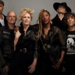 Interview: New Roadcase, Same Passion For Heart Guitarist Nancy Wilson